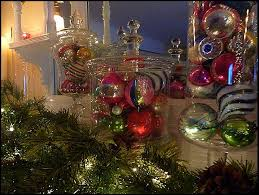 of design how i display my vintage ornaments