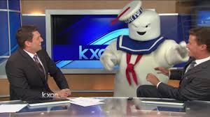 Stay Puft Marshmallow Man Costume Stay Puft Marshmallow Man Rolls In Youtube
