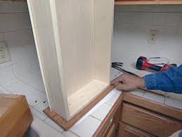 100 how to put up kitchen cabinets closing the space above