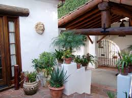 Spanish Style Courtyards by Spanish Bungalow Exterior Spanish Style Pinterest Spanish