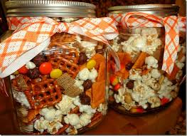 we made this festive snack mix as a thanksgiving gift for the