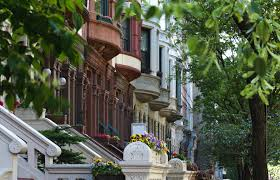 advice on buying a townhouse and real estate in nyc