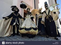venetian costumes venetian carnival masks and costumes at the venetian fair on the