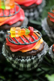 the 25 best fathers day cupcakes ideas on pinterest burger