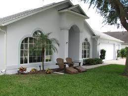 Exterior Paint For Homes - painting a merritt island homes exterior stucco walls and doors