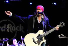 singer bret michaels rushes off stage in medical emergency la times