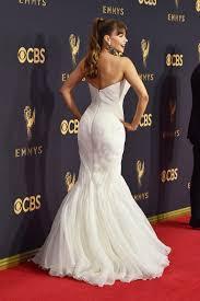 sofia vergara wore a mark zunino wedding gown to the 2017 emmy