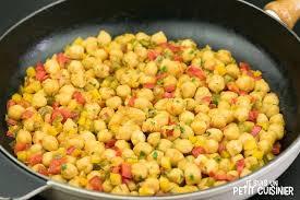 comment cuisiner des pois chiches recette de poêlée de pois chiches aux poivrons