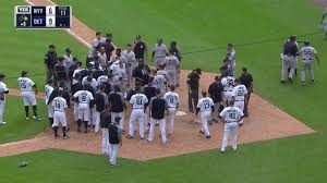 Red Sox Yankees Benches Clear Yankees Tigers Brawl Miguel Cabrera Fights Austin Romine Si Com