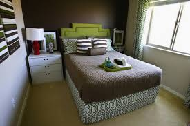 How To Make A Small Curtain Bedroom Awesome How To Make A Small Bedroom Look Bigger Floor