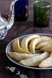 corne de cuisine cornes de gazelle traditional moroccan recipe 196 flavors