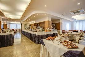 Hotel Colombo Riccione Recensioni by Eventi Riccione Primavera Estate 2017 Viale Ceccarini