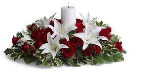 White Christmas Centerpieces - centerpiece with whtie and red flowers and white candle jpg
