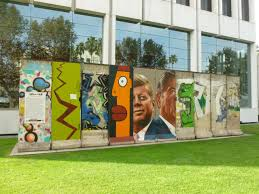experiencing los angeles cold warriors on wilshire the wende cold warriors on wilshire the wende museum s berlin wall