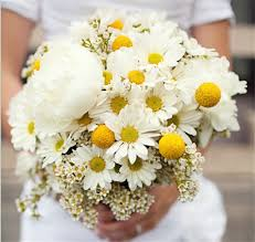 Fall Flowers For Weddings In Season - 26 fresh and charming flowers in season in october everafterguide