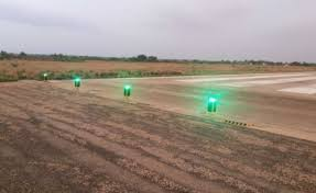 Solar Powered Runway Lights by Airport Lighting Solar Airfield Lighting Carmanah Technologies