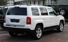 jeep patriot white file jeep patriot 2 2 crd limited facelift u2013 heckansicht 26