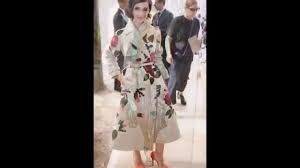 how to look like a french woman paris fashion week youtube
