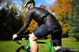 best lightweight cycling jacket gore tex shakedry shootout who makes the best waterproof cycling