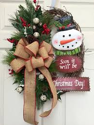 Ideas On Decorating Christmas Wreaths by 236 Best Christmas Wreaths Images On Pinterest Christmas Ideas