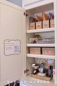 arrange kitchen cabinets 28 kitchen cabinet organizing ideas amp shelving