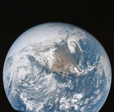 w rmer in der k che apollo 16 view of the earth from translunar injection nasa image