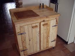 table de cuisine en palette objets déco et meubles en bois de palettes billot de boucher monté