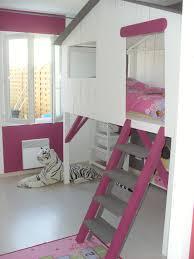 cabane fille chambre le lit cabane aménagement lit cabane lits et chambres