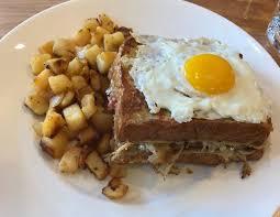 new wicker park brunch restaurant yolk is worth a visit