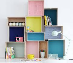 scaffali fai da te libreria e scaffali per camerette con il riciclo creativo zigzagmom
