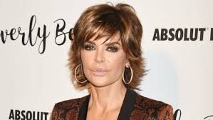 lisa rinna hair stylist lisa rinna was almost unrecognizable on watch what happens live
