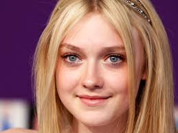 dakota fanning 4 wallpapers hd wallpapers dakota fanning sctresshd wallpapers