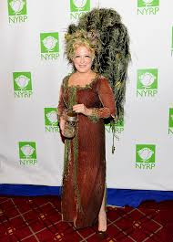 amazing halloween costumes 1414599326 bette midler zoom jpg