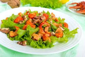 cuisine legere et dietetique salade épicée diététique légère de laitue des écrevisses de fruits