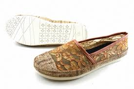 Jual Wakai pin by dina hanifah on wakai shoes artsy