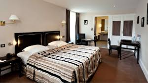photo chambre luxe chambre luxe réserver chambre d hôtel à beaune najeti hôtel de