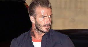 imagenes tatuajes cuello beckham se hizo un nuevo tatuaje en su cuello y ya lleva más de 40