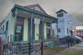 shotgun house slideshow 527 17 a shotgun house and sun light baptist church on