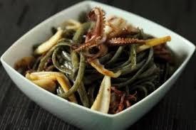 comment cuisiner le calamar recette de linguine à l encre de seiche et calamars facile et rapide