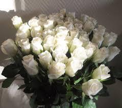 bouquet de fleurs roses blanches un changement de dizaine sous le signe de l u0027amitié les carnets