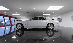 rolls royce roadster rolls royce phantom saloon white platinum executive travel