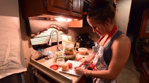 tips for cooking thanksgiving dinner in an rv or trailer