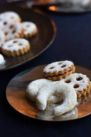 austrian christmas bakery vanillekipferl icing sugar