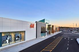 hillcrest mall open on thanksgiving day