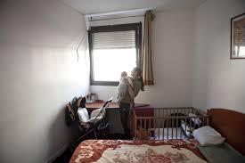 chambres de bonne que faire de ces milliers de chambres de bonne vides à