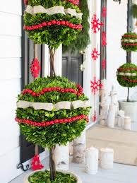 best outdoor christmas decorations for pair of boxwood globes