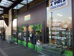 bureau vallee bureau vallée continues rollout of city stores