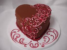 How To Decorate Heart Shaped Cake Heart Shaped Cake With Roses And Chocolate Covered Strawberries