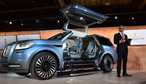 lincoln sports car 2018 lincoln navigator concept an outrageous suv with supercar