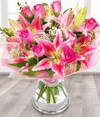 roses and lilies overseasflowerdelivery pink roses and lilies fresh flower delivery